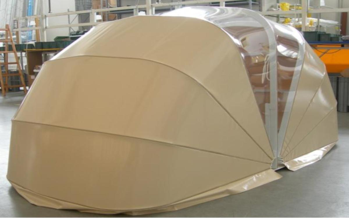 abri dome protection spa jacuzzi. Black Bedroom Furniture Sets. Home Design Ideas